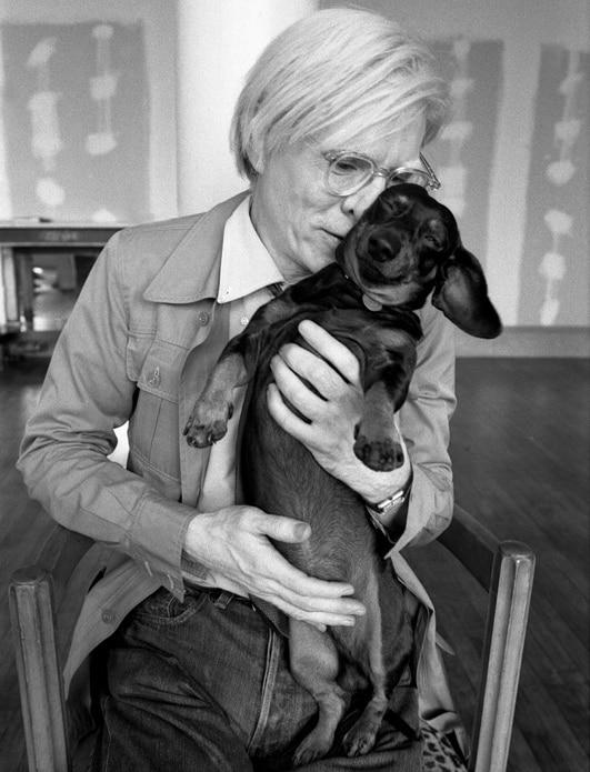 Andy Warhol und sein Dackel Archie